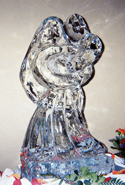 Wedding Ice Sculupture - Bride and Groom